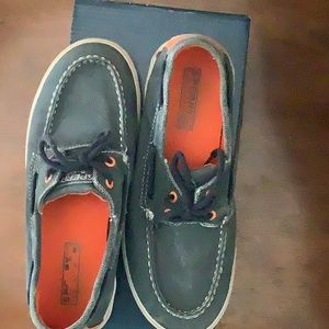 Boys Sperry Top-Siders size 5M